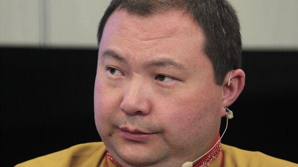 Почетный представитель Далай-ламы XIV в России, странах СНГ и Монголии, верховный лама Калмыкии Тэло Тулку Ринпоче