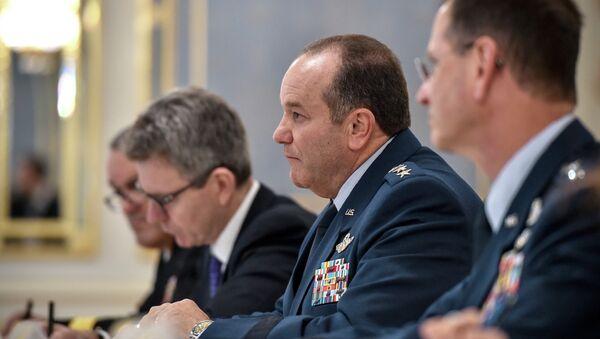 Командующий вооруженных сил США в Европе генерал Филипп Бридлав. Архивное фото