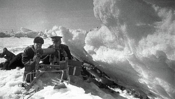 Морские пехотинцы Балтийского флота в засаде в Финском заливе