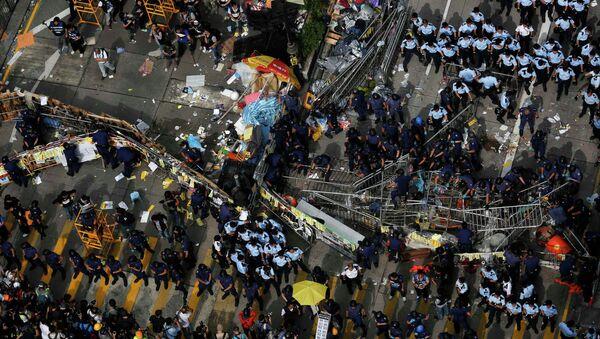 Продолжаются столкновения в Гонконге