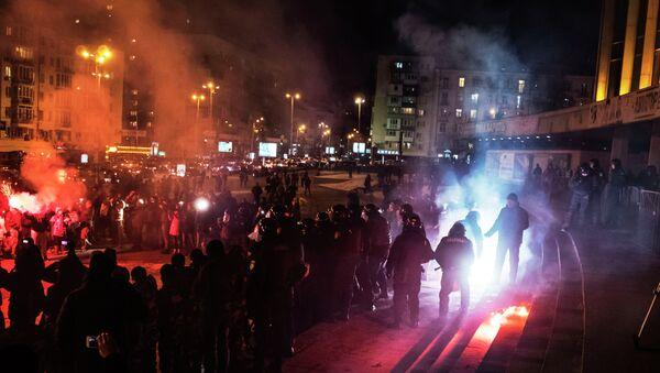 В Киеве футбольные фанаты попытались сорвать концерт Ани Лорак