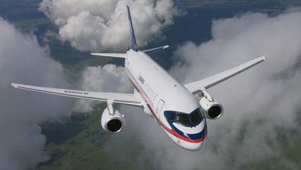 Пассажирский самолет Сухой Суперджет 100, архивное фото