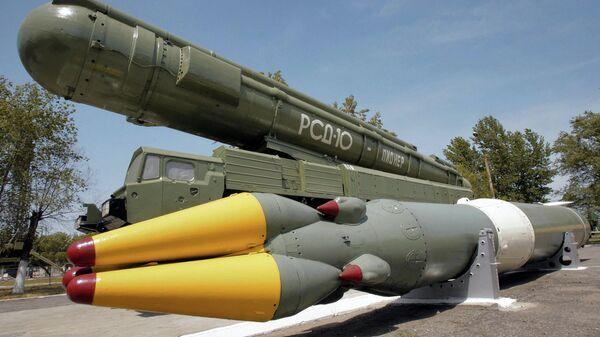 Ракетный комплекс средней дальности РСД-10 ПИОНЕР. Архивное фото