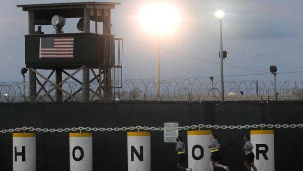 Сторожевая вышка американской военной базы Гуантанамо на Кубе. Архивное фото
