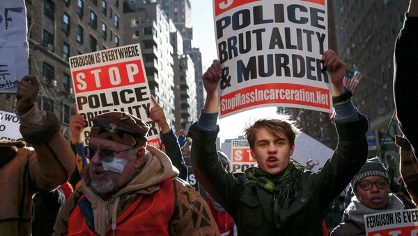 Акция протеста против произвола полиции в Нью-Йорке