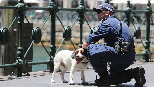 Полицейский патруль в связи с захватом заложников в одном из кафе в Сиднее