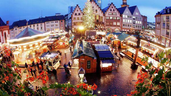 Рождественская ярмарка во Франкфурте, Германия. Архивное фото