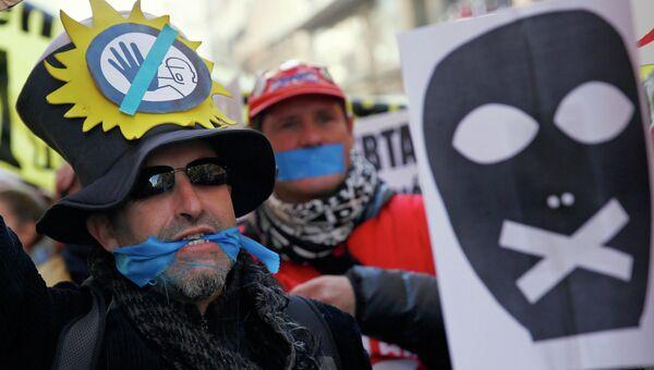 Митинг против закона об общественной безопасности в Мадриде, Испания