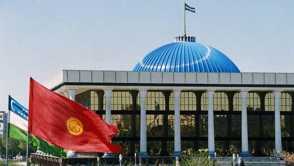 Здание парламента Узбекистана. Архивное фото