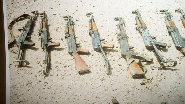 Автоматы, изъятые у террористов. Архивное фото