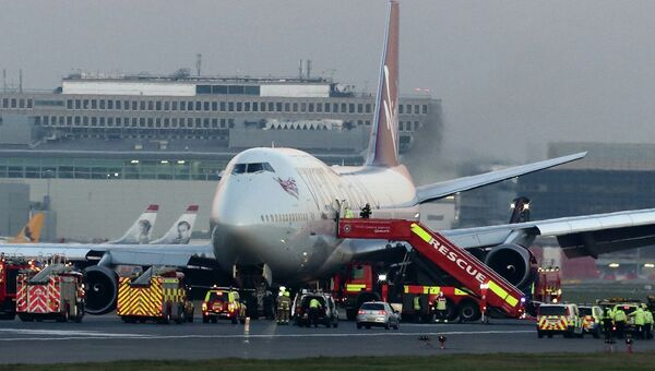 Пассажирский самолет Boeing 747 авиакомпании Virgin Atlantic, совершивший аварийную посадку в лондонском аэропорту Гатвик