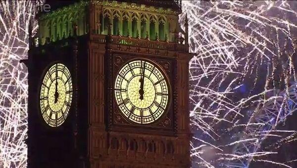 Новогодний салют над Темзой