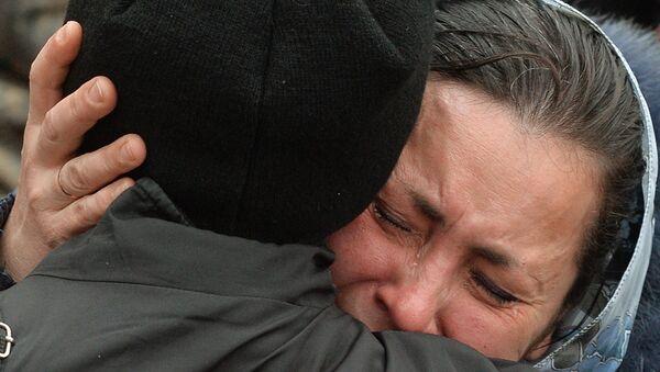 Прощание со школьниками, погибшими при артобстреле школы в Донецке