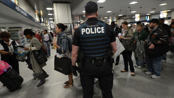 Сотрудник полиции в США. Архивное фото