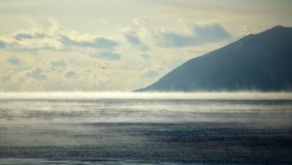 Берега озера Байкала в районе поселке Большое Голоустное. Архивное фото