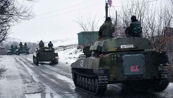 Колонна бронетехники ополченцев под Славяносербском, Луганская область. 21 января 2015. Архивное фото
