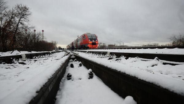 Пассажирский поезд на одном из участков Московской железной дороги. Архивное фото
