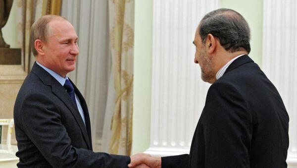 Президент России Владимир Путин и специальный представитель президента Исламской Республики Иран А.А.Велаяти. 28 января 2015
