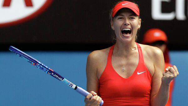 Мария Шарапова радуется победе на теннисном турнире Australian Open. Архивное фото