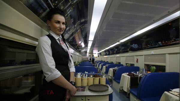 Вагон-ресторан в двухэтажном поезде Санкт-Петербург - Москва