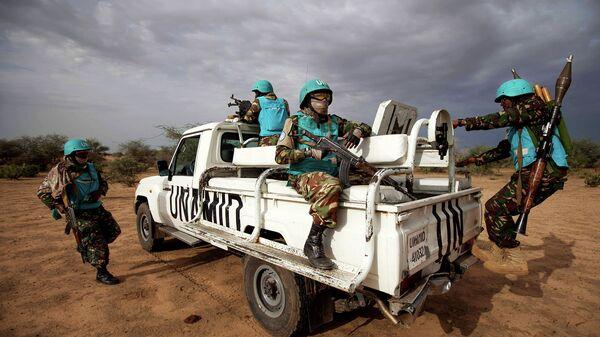 Патруль совместной миротворческой миссии Африканского cоюза и ООН (ЮНАМИД). Судан