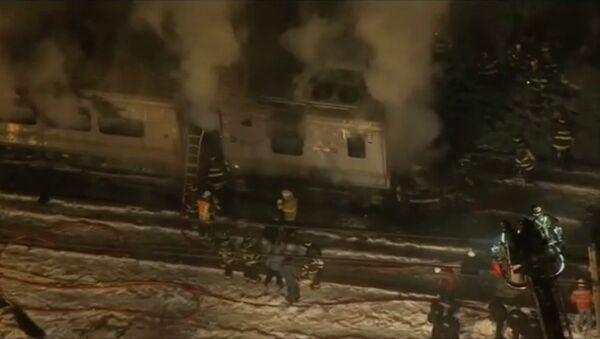 Столкновение поезда и автомобиля в Нью-Йорке