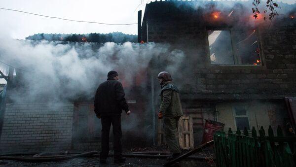 Последствия обстрела Донецка украинскими силовиками. Архивное фото