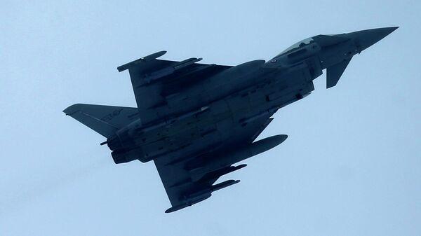 Истребитель НАТО Eurofighter Typhoon. Архивное фото