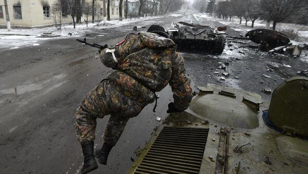 Ополченец в Углегорске. Архивное фото