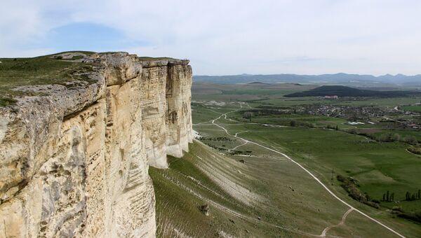Вид на Белую скалу в Белогорском районе Крыма. Архивное фото