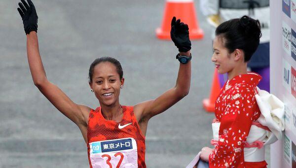 Эфиопская бегунья Бирхане Дибаба стала победительницей Токийского марафона, 22 февраля 2015