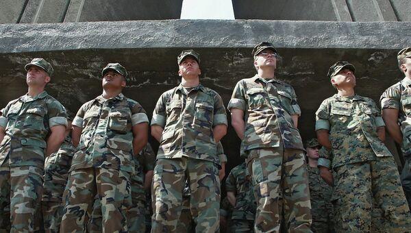 Американские инструкторы. Архивное фото