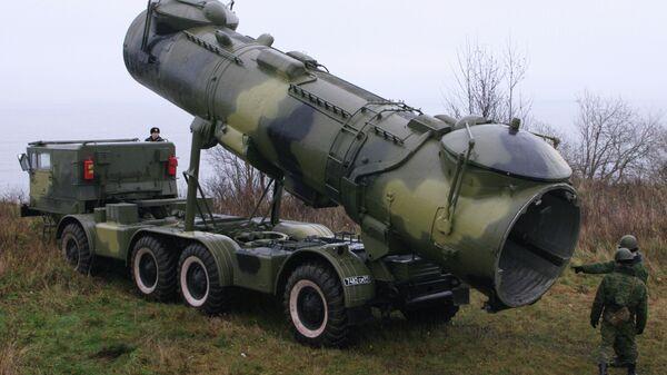 Противокорабельный мобильный ракетный комплекс Редут. Архивное фото