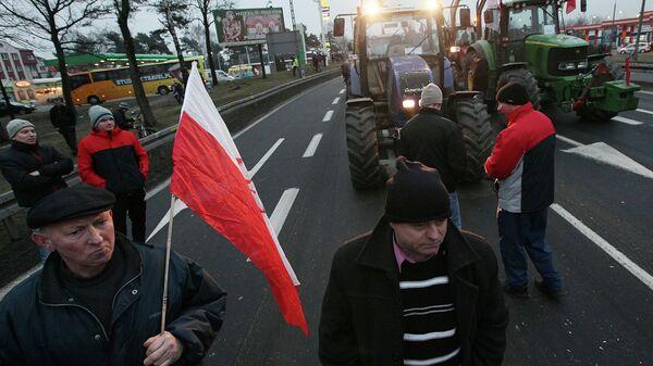 Польские фермеры на дороге, ведущей в Варшаву