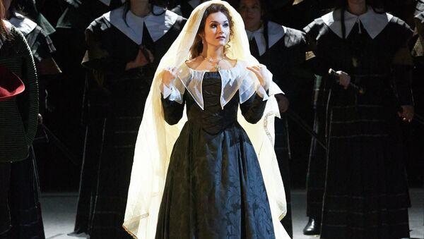 Российская оперная певица Ольга Перетятько в «Пуританах» в Венской опере