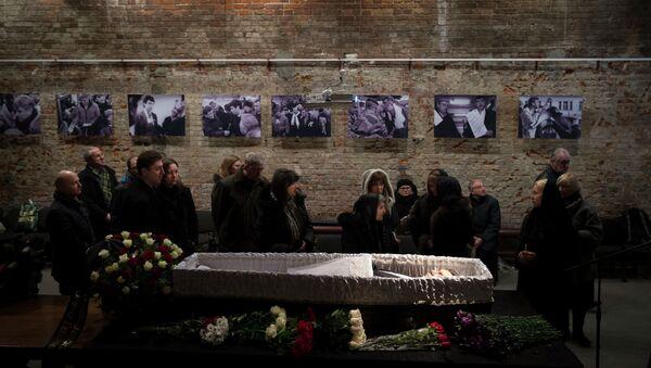 Церемония прощания с политиком Борисом Немцовым в Сахаровском центре