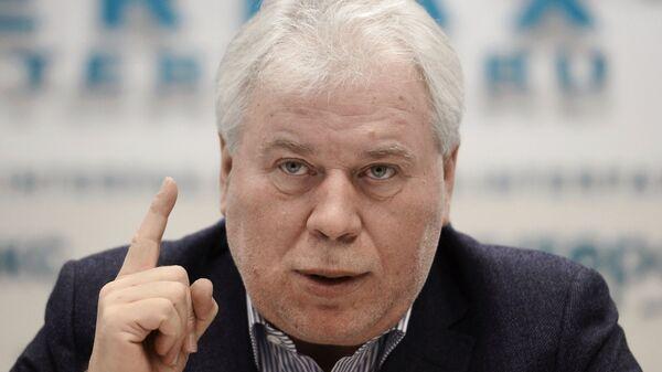 Анатолий Кучерена на пресс-конференции, посвященной выходу своей книги Время спрута