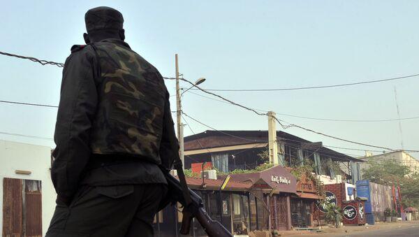 На месте нападения на ресторан в столице республики Мали Бамако