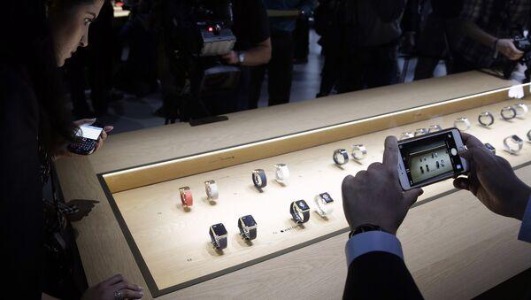 Стенд с Apple Watch на презентации компании Apple 9 марта 2015