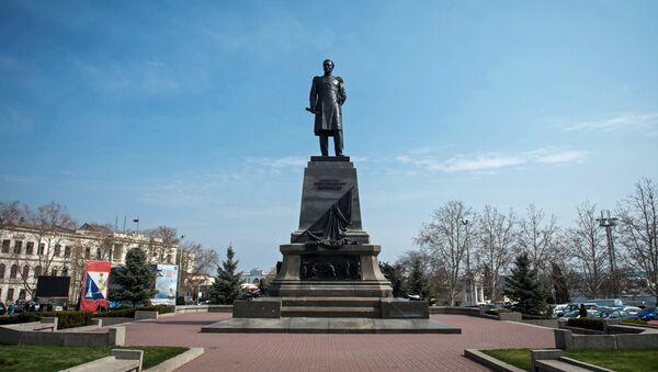 Памятник адмиралу Павлу Нахимову на площади Нахимова в городе Севастополь. Архивное фото