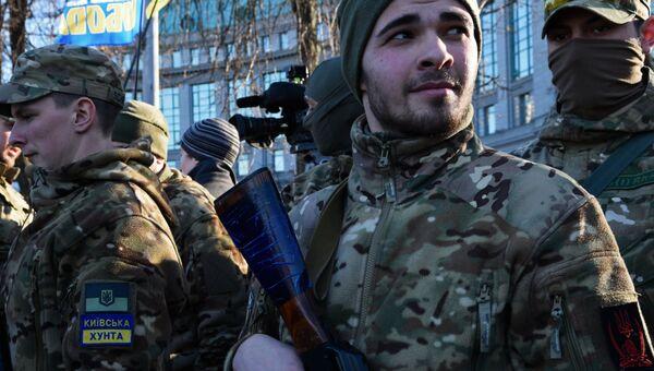 Украинские силовики батальона Сич перед отправкой на юго-восток Украины