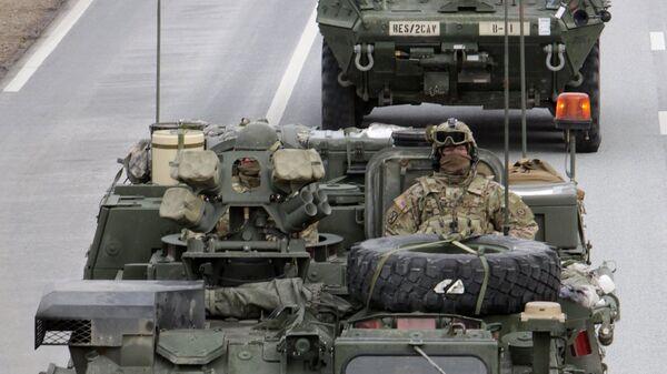 Показательный марш военнослужащих армии США в Латвии. Архивное фото
