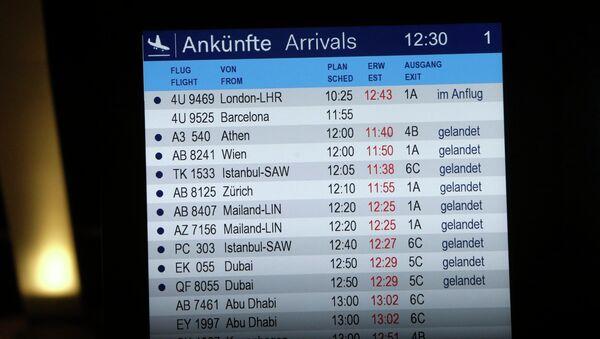 Табло прилета в аэропорту Дюссельдорфа. Архивное фото
