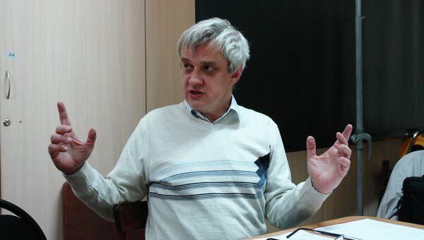 Преподаватель литургики в Институте философии, теологии и истории св. Фомы Петр Сахаров