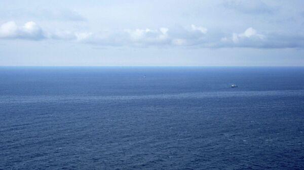 Спасательная операция на месте затопления траулера Дальний Восток в Охотском море