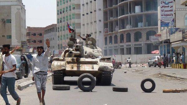Танк в городе Аден, Йемен