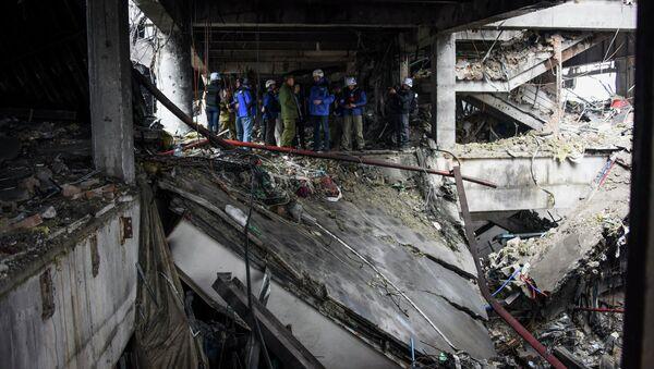 В разрушенном здании аэропорта Донецка. Архивное фото