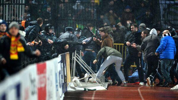 Беспорядки на стадионе Арсенал в Туле во время матча между ФК Арсенал (Тула) и ФК Торпедо (Москва). Архивное фото