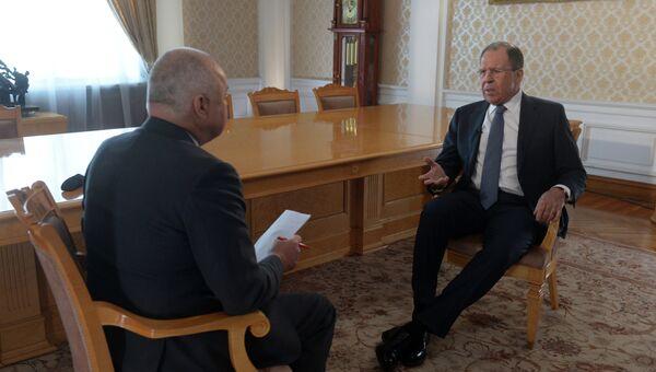 Министр иностранных дел России Сергей Лавров во время интервью Дмитрию Киселеву