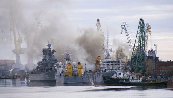 Пожар на АПЛ Орел, которая проходит ремонт на заводе Звездочка, Северодвинск